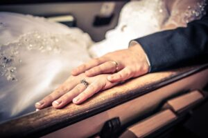 Two hands joineed together for marriage