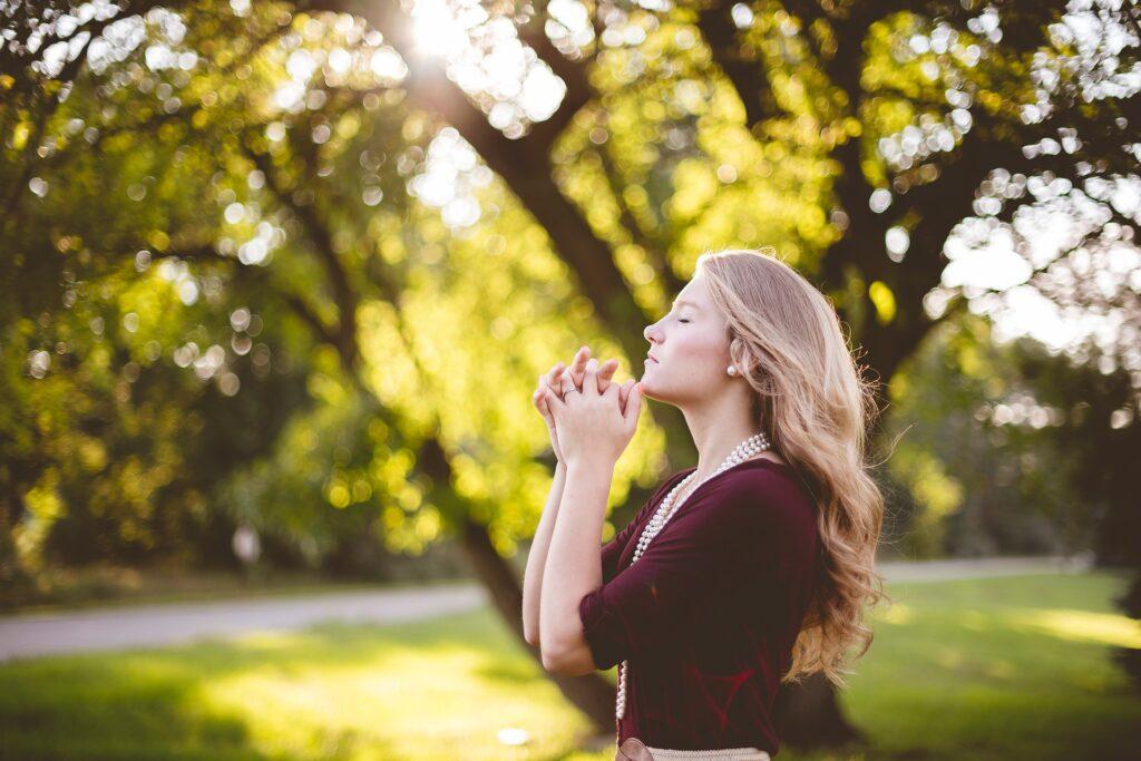 Woman Praying, Praying, Faith in God,