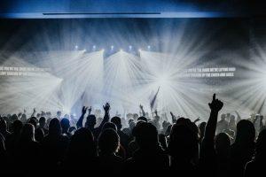 Bible verses about worship - crowd worshipping God