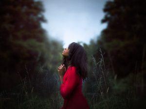 Psalm 27 KJV - woman looking upward