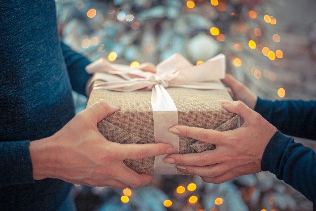 Gift Giving, Gift, Giving